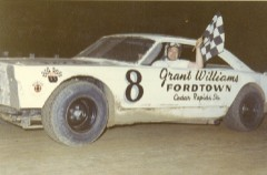 Darrell certainly won his share of races. This victory was at the Sterling Speedbowl in 1967. I liked his black and white cars best of all. (Dennis Piefer photo)