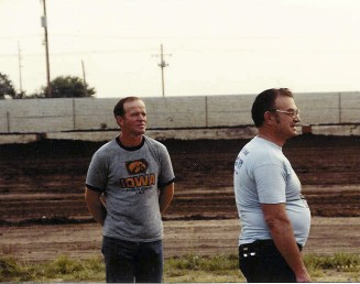 Kenny Walton, Dake protege and former World 100 winner check out the track. (Vern Naley collection.)