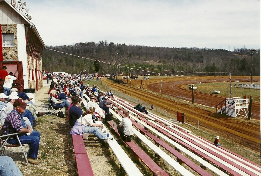 A spring trip to the south found me at the North Alabama Speedway in Tuscumbia.