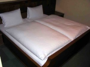 austrian-bed