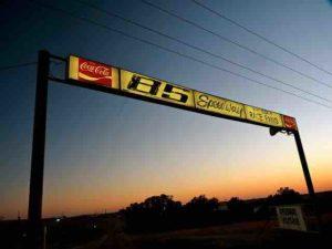 85 Speedway sign