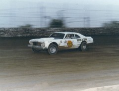 Darrell races at Freeport in 1976. This was about the time of his very bad accident that occurred at Hawkeye Downs in Cedar Rapids. (Dennis Piefer photo)