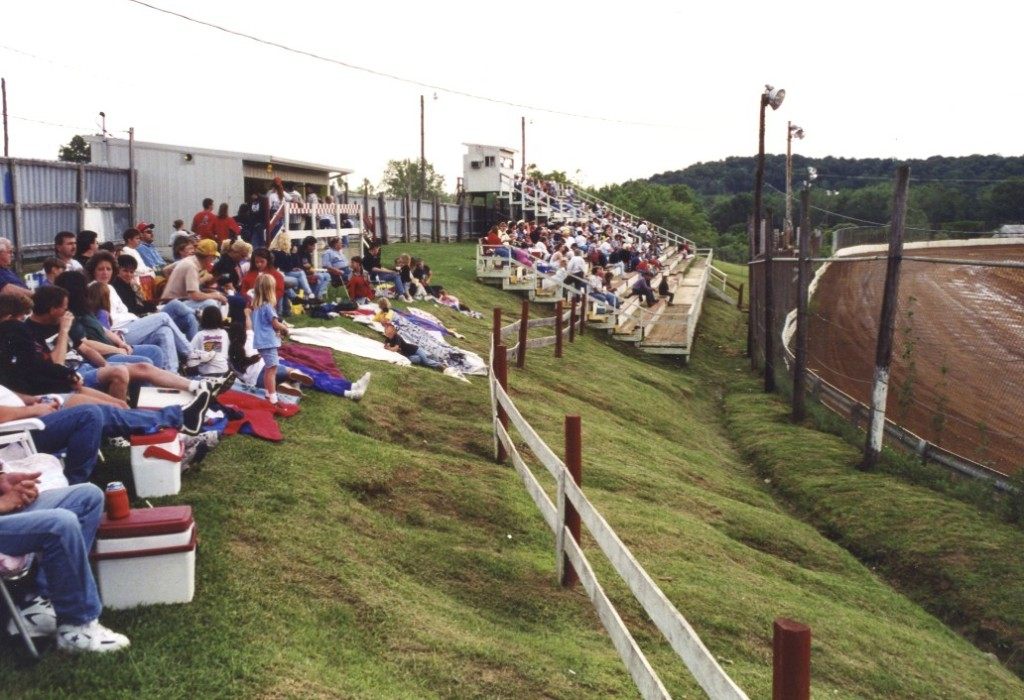 How many people have been to Loogootee, Indiana?  I have!  It's the Martin County Speedway.