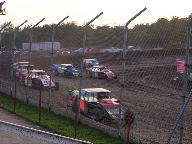 I'm a big fan of Midwest modified racing.