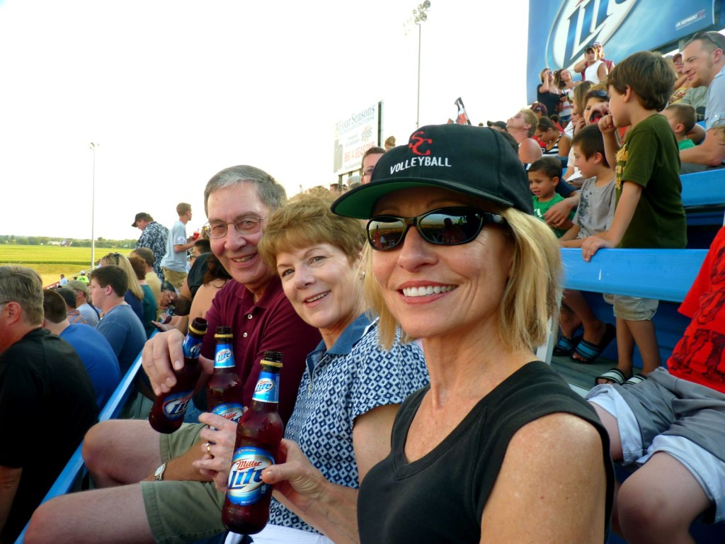 Rookie trackchasers Mike and Mary Skonicki joined us at Route 66 Speedway.  I find new fans like the crash 'em bang 'em events the best.