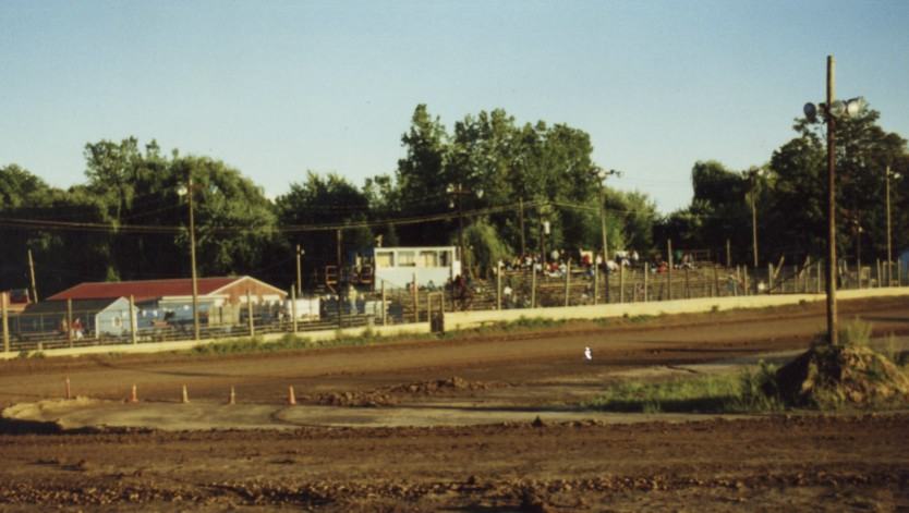 I've been to my share of little dirt bullrings like this one at the Paradise Speedway (NY).  I like them all...at least once.