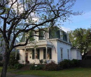 victorian home red bluff 2