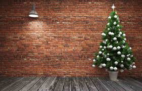 christmas tree with no presents