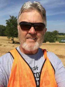 randy dirty turtle orange vest