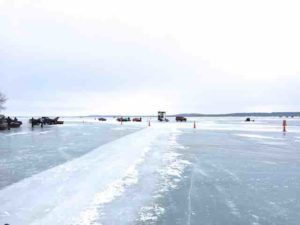 Lake puckaway glare ice 2