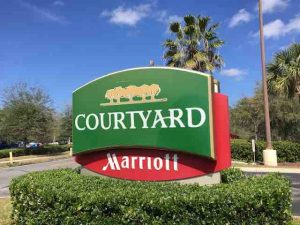 courtyard by marriott sign