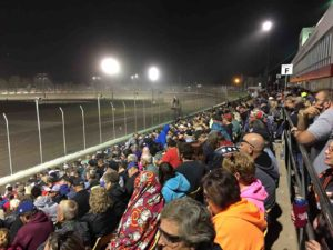 lakeside-speedway-crowd-grandstand