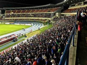 crowd-at-panama-football-game
