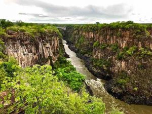 victoria-falls-from-outlook-cafe