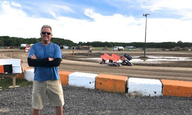 The Warm Up Track at Ohsweken Speedway